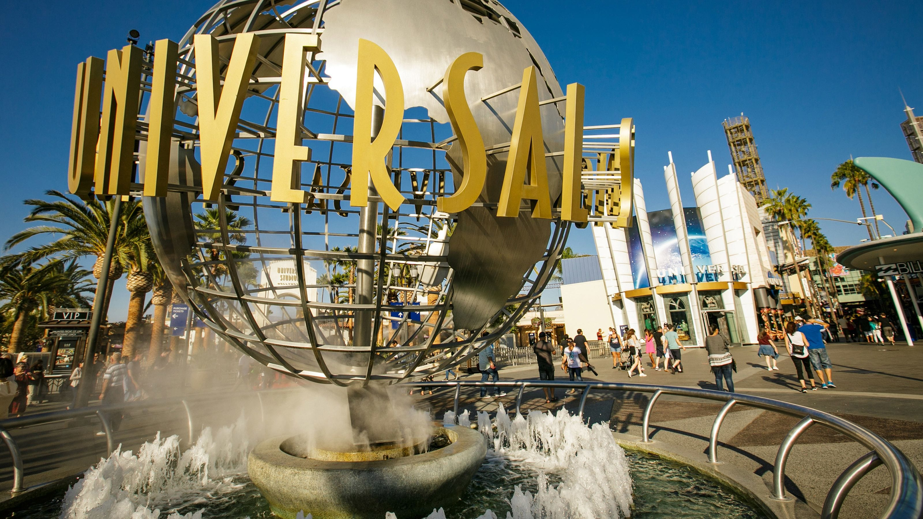 Sea World San Diego and Universal Hollywood Open to Out of State Visitors