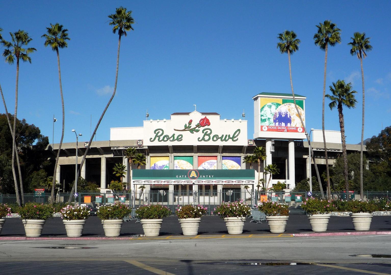 1920px-2008-1226-Pasadena-008-RoseBowl
