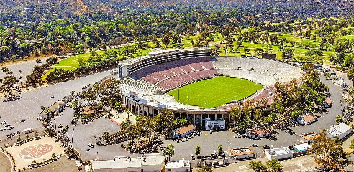 1200px-2018.06.17_Over_the_Rose_Bowl,_Pasadena,_CA_USA_0046_(42855686701)